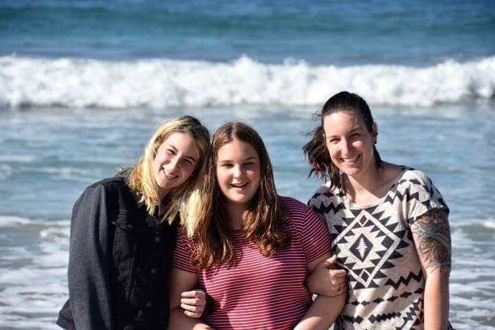 Laura, Jenna and Maia Snow